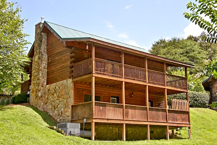 Cabins at the crossing 2 bedroom pigeon forge cabin rental for Rent cabin smoky mountains