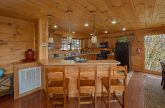 5 Bedroom Cabin Sleeps 10 with Large Jacuzzi Tub