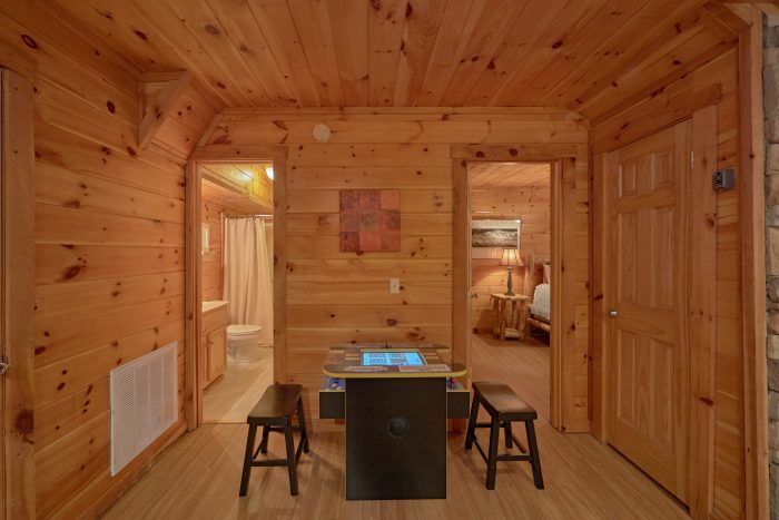 Arcade Game 2 Bedroom Cabin Sleeps 9 - A Stones Throw