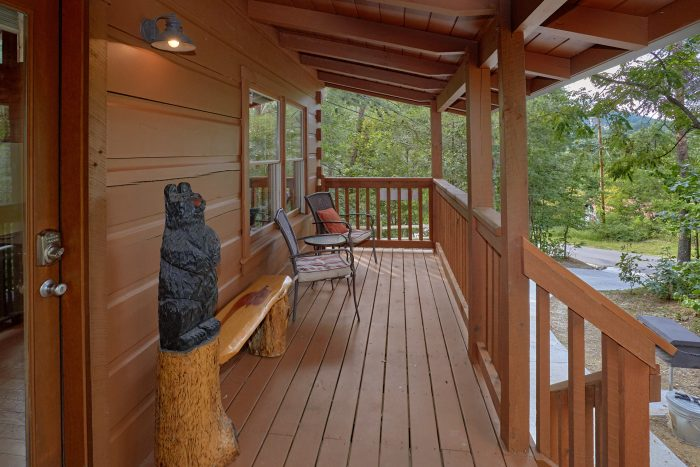 Lots of Out Door Seating 2 Bedroom Cabin - A Stones Throw
