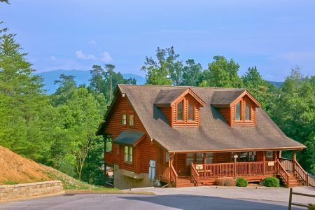 Robyn's Nest: 2 Bedroom Pigeon Forge Cabin Rental