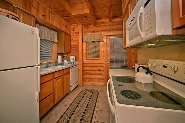2 Bedroom Resort Cabin with Full Kitchen - A Tennessee Twilight