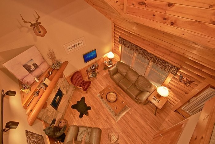 2 Bedroom Cabin with Spacious Living Room - A Tennessee Twilight
