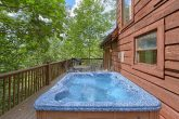 2 Bedroom Cabin with Private Hot Tub on deck