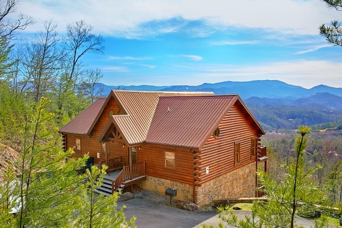 Above the smokies dollywood area cabin with amazing view for Gatlinburg dollywood cabins