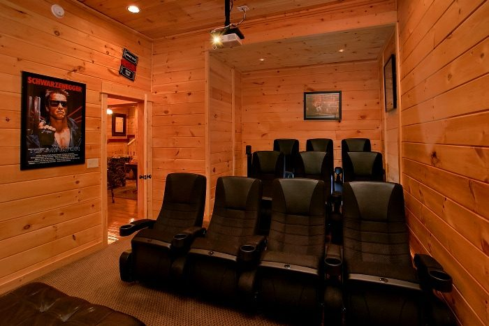 Luxury 5 Bedroom Cabin with Home Theater - Above The Smokies