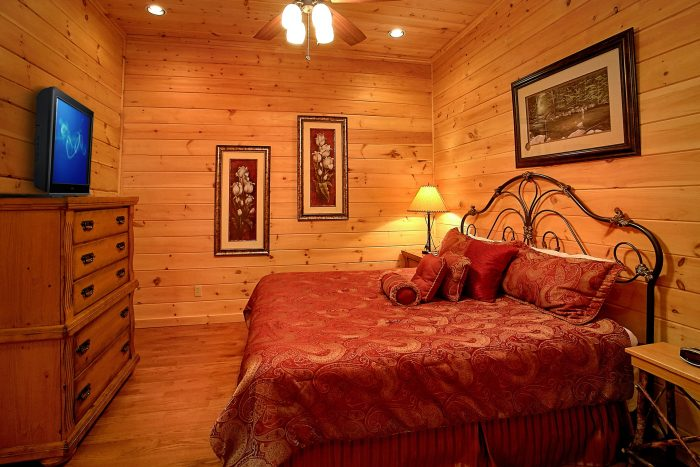 Cabin with 5 King Bedrooms and Theater Room - Above The Smokies