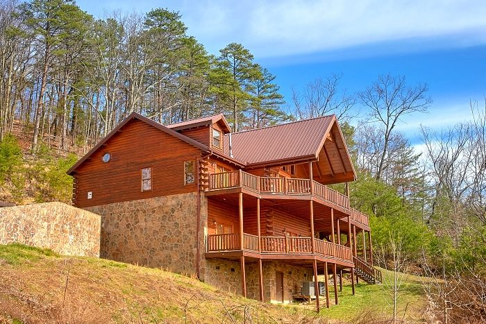 above the smokies dollywood area cabin with amazing view