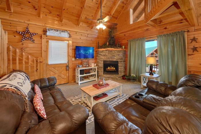 Cabin with Flat Screen Plasma TV - Absolute Delight