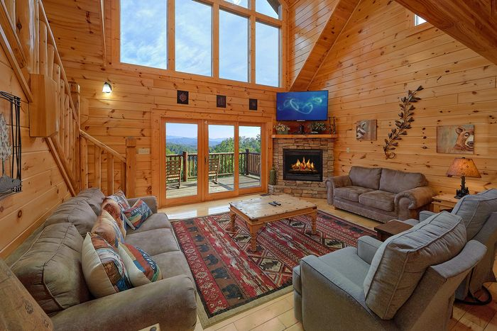 Cabin with Open Floor Plan - Absolutely Viewtiful