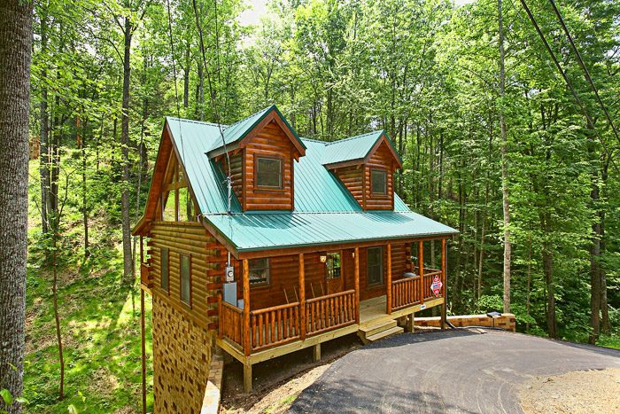 cabin in the woods at sky harbor resort