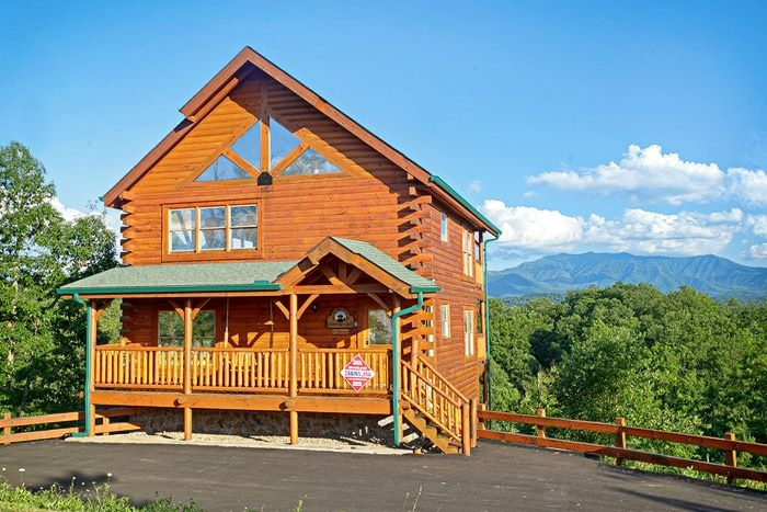 premium 3 bedroom pigeon forge cabin with mountains views