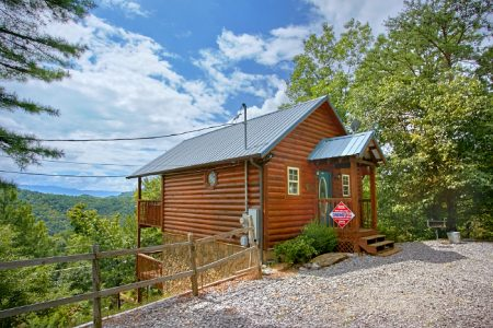 Splish Splash: 1 Bedroom Pigeon Forge Cabin Rental