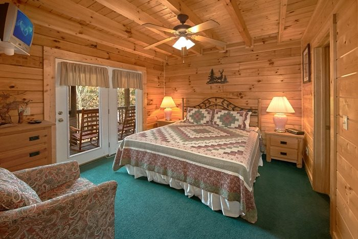bedroom pigeon forge cabin pigeon forge group cabin