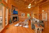 Luxurious Cabin with a Spacious Living Room
