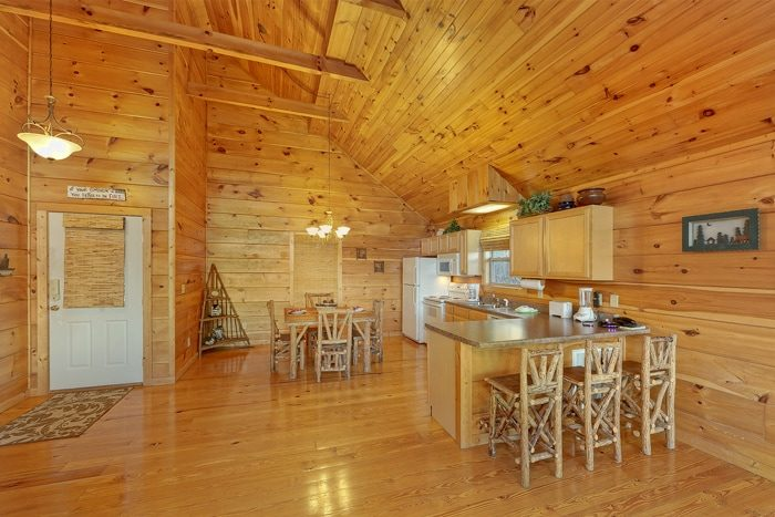1 Bedroom Cabin with a Spacious Kitchen - Alone at Last