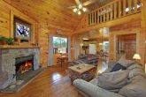 Cabin Near Dollywood with a Fireplace