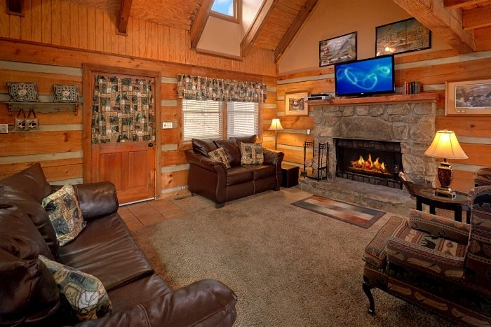 Welcome to Amazing Majestic Oaks! This dog friendly cabin rental in Pigeon Forge by Cabins USA comes with 3 bedrooms
