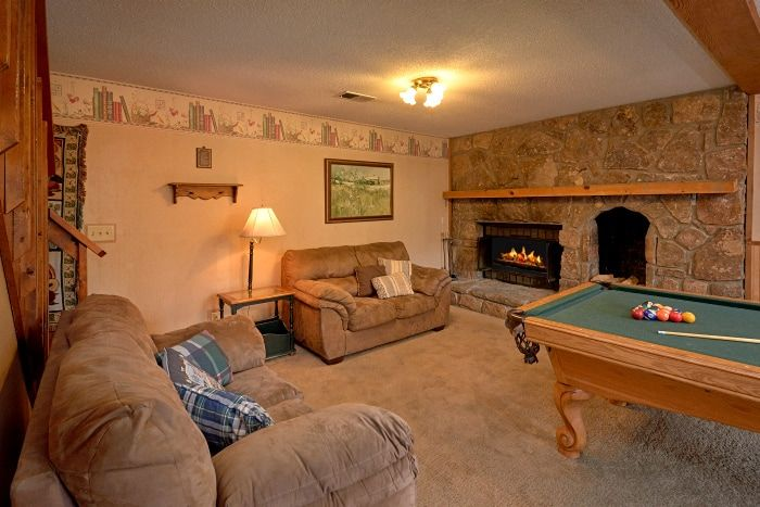 Cabin with Game Room and 2 Fireplaces - Amazing Majestic Oaks