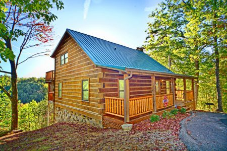 Made in the Shade: 3 Bedroom Pigeon Forge Cabin Rental