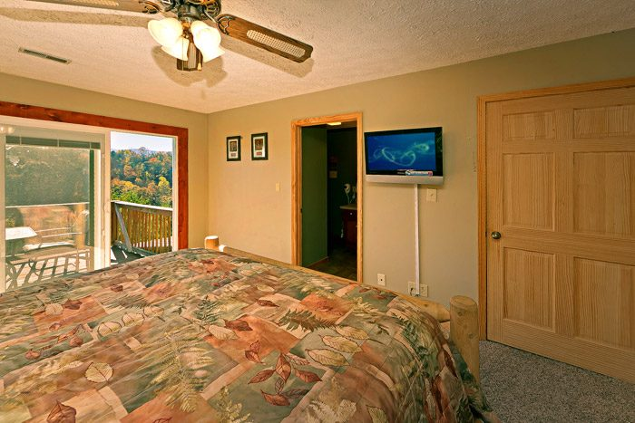 King Size Bedroom with Flat Screen TV - Amazing View