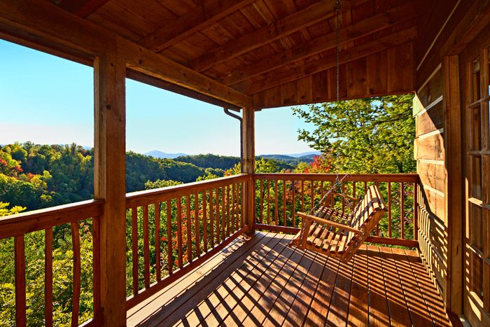 Merveilleux ... Cabin Swing With Mountain Views   Amazing View ...