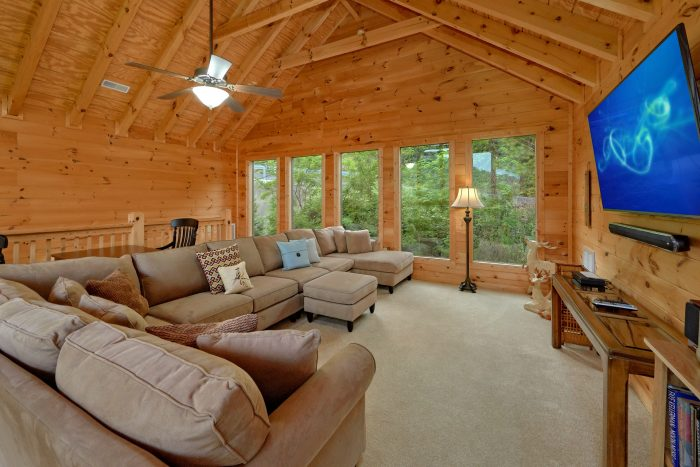 5 Bedroom cabin with a home theater in the den - Amazing Views to Remember