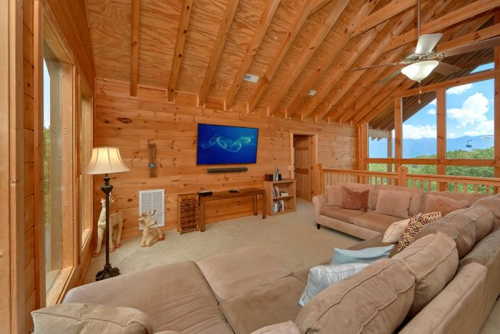 Spacious 5 bedroom cabin two living rooms - Amazing Views to Remember