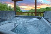 5 Bedroom cabin with hot tub and Mountain Views