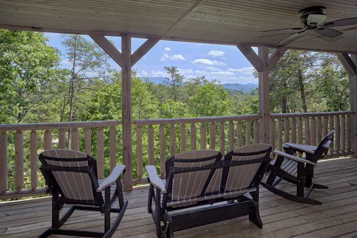 Luxurious Cabin with Mountain Views from Deck - American Dream Lodge