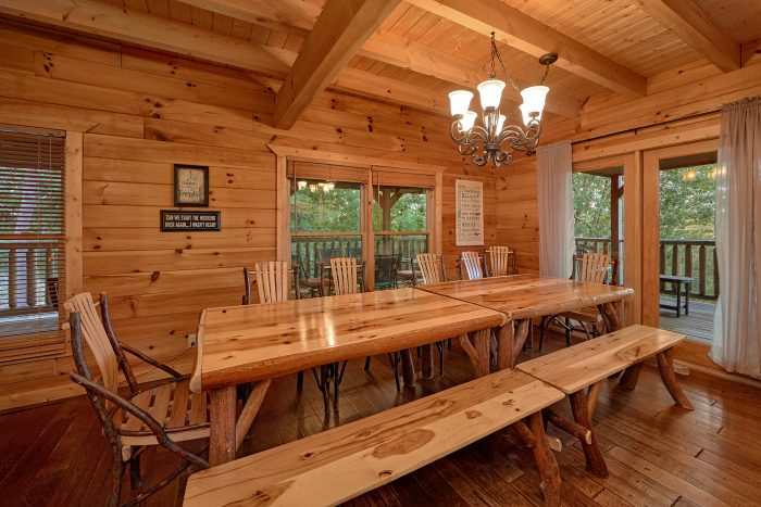 6 Bedroom Cabin with Family Size Dining Room - American Dream Lodge