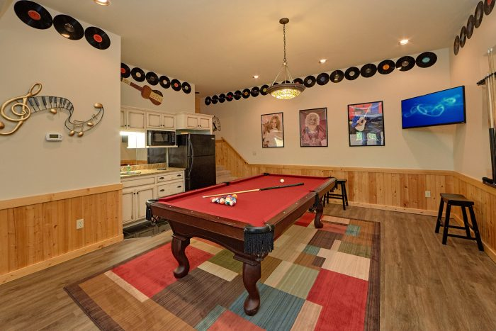 Premium Cabin with Pool table and Game Room - American Dream Lodge