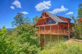 Luxury Cabin with 2 Bedrooms and Wooded View