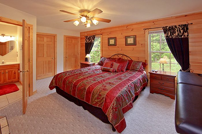 King Bed - Amore Mountain Retreat