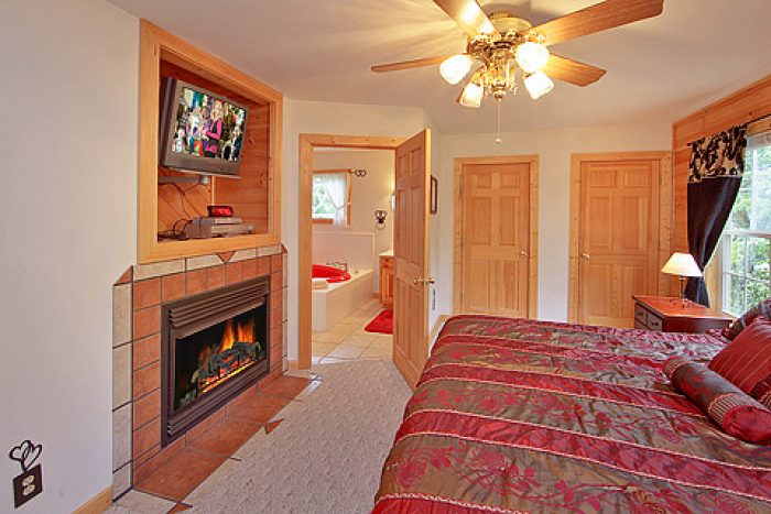 King Bedroom with Gas Fireplace - Amore Mountain Retreat