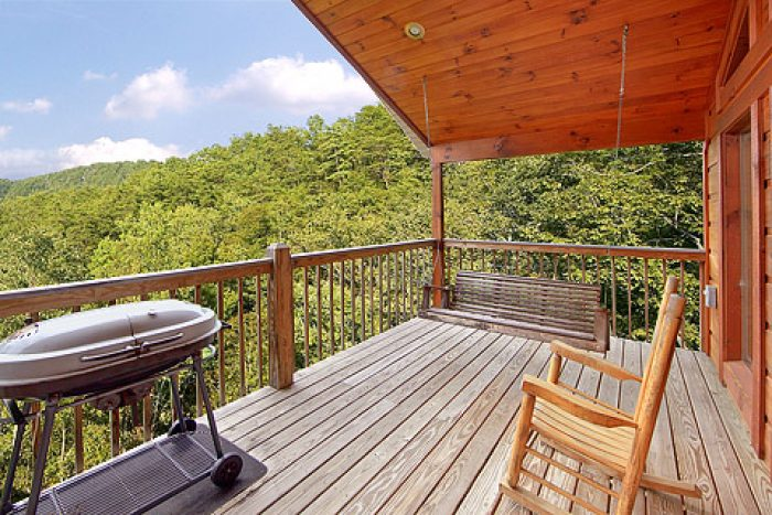 Deck with Scenic Views - Amore Mountain Retreat