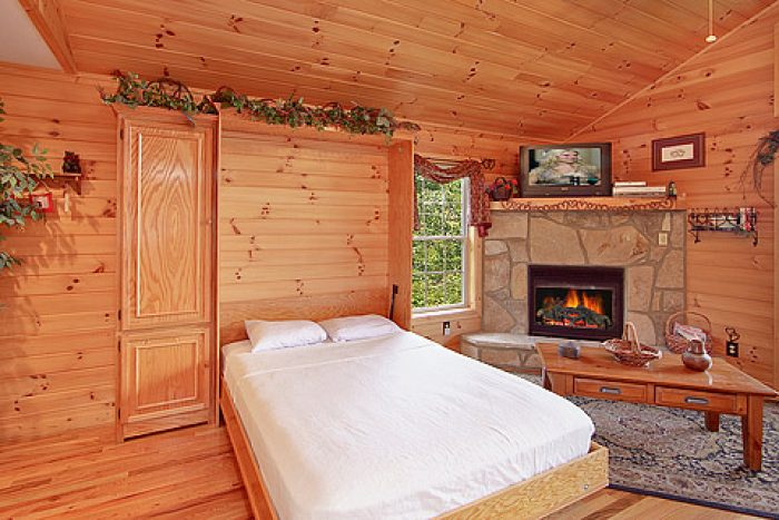 Double Sized Murphy Bed - Amore Mountain Retreat