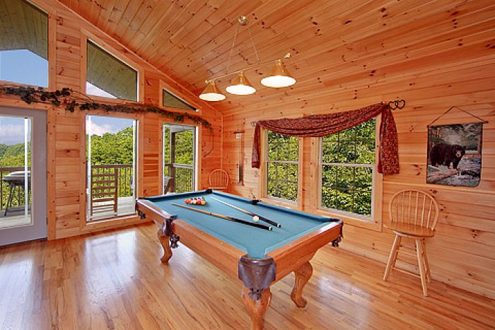 Pool Table - Amore Mountain Retreat