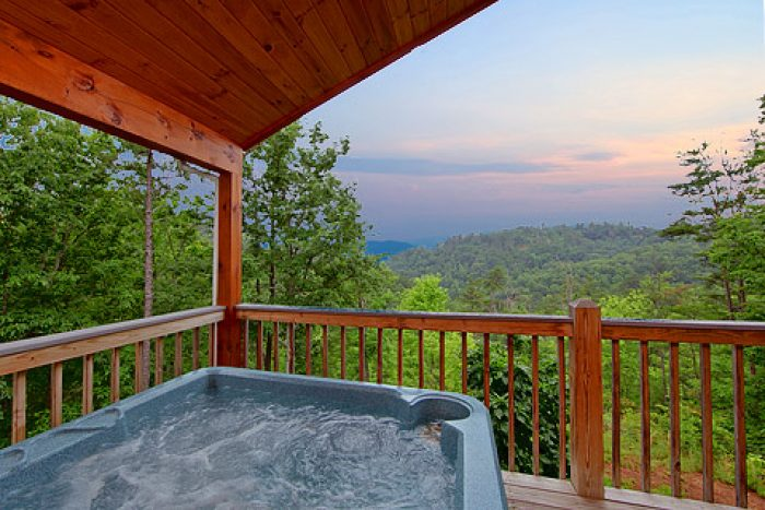 Hot Tub with Mountain Views - Amore Mountain Retreat