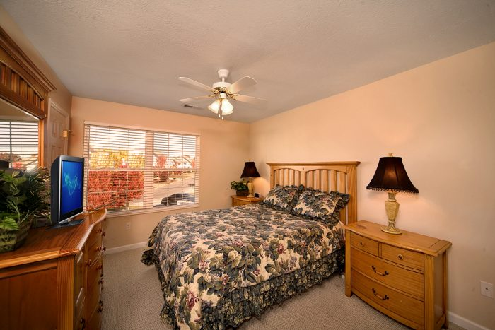 Queen Bedroom Suite - Applewood