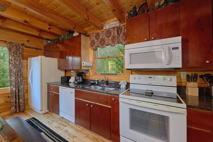 Cabin with Fully Furnished Kitchen - April's Diamond