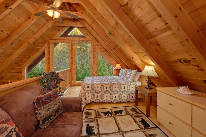 Pigeon Forge Cabin with Spacious Game Room - April's Diamond