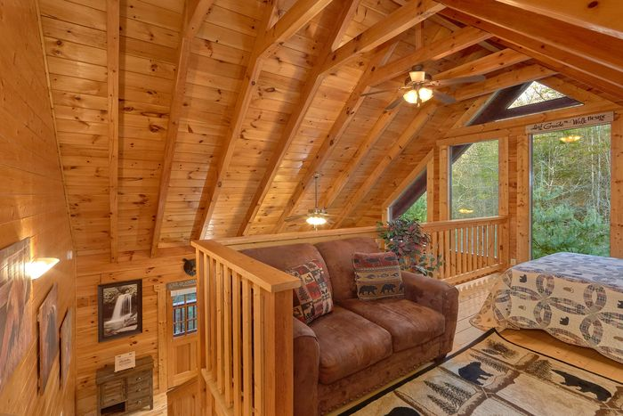 Two Bedroom Cabin with Theater Room - April's Diamond