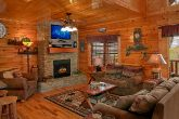 Beautiful Cabin with Spacious Living Room
