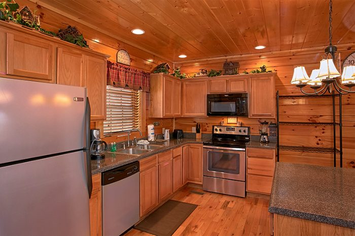 Cabin with Fully Furnished Kitchen - Arizona East