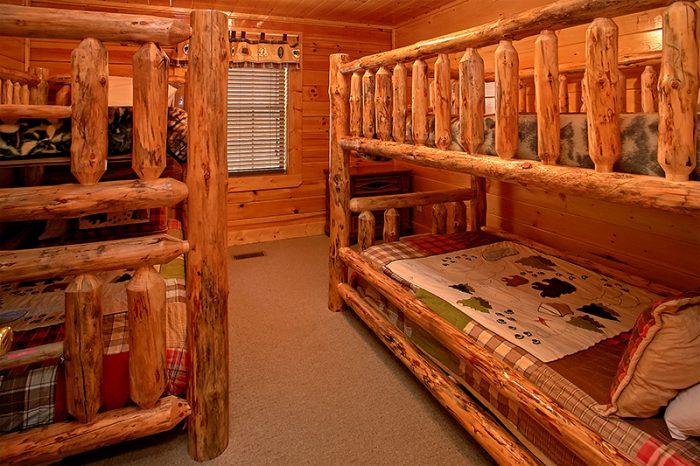 Queen Bedroom on Top Level of Cabin - Arizona East