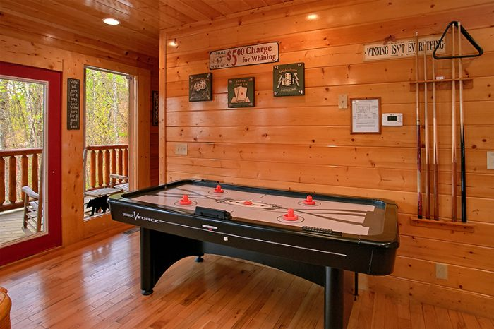 Spacious Cabin with Game Room and Air Hockey - Arizona East