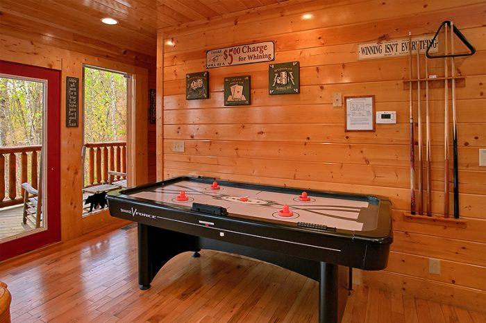 Cabin with Beautiful Deck Furniture - Arizona East