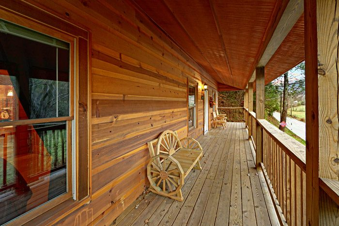 Cabin with Decorative Outdoor Furniture - At Trails End