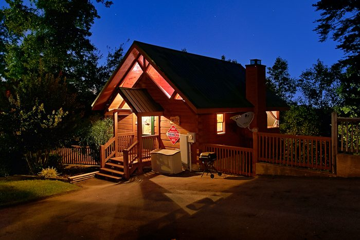 arrowhead cabin rentals pigeon forge cabin in pigeon